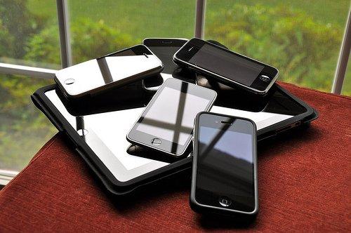 Những thói quen cần tránh khi sử dụng máy tính, điện thoại