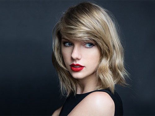 Taylor Swift mua tên miền khiêu dâm