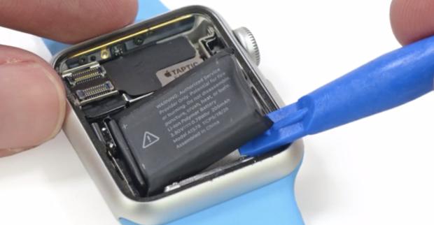 Apple Watch thay được pin