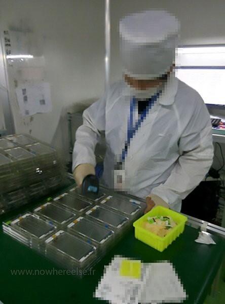 lo-anh-day-chuyen-san-xuat-man-hinh-iphone-6s