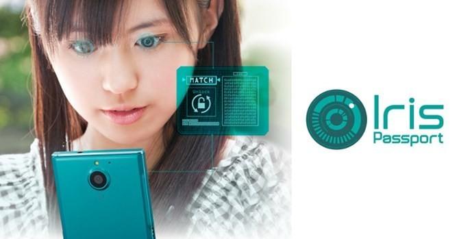 Fujitsu ra mắt smartphone có khả năng quét võng mạc người dùng 1