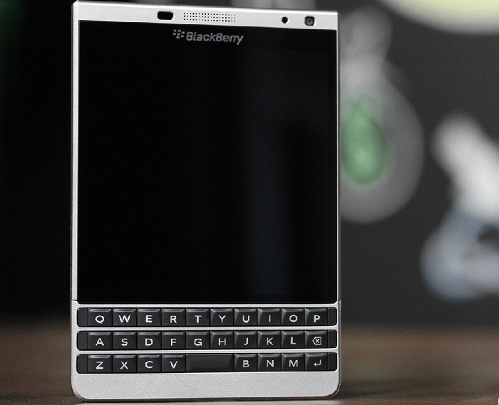 Lý giải nguyên nhân BlackBerry tung ra thị trường phiên bản Passport màu bạc