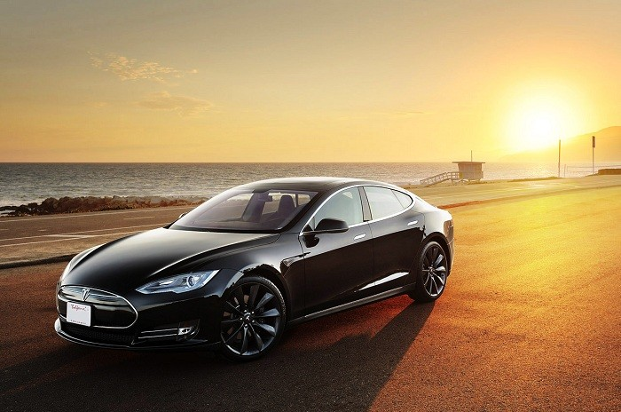 Tesla tuyển dụng hacker để sửa lỗi bảo mật trên hệ thống điều khiển xe điện