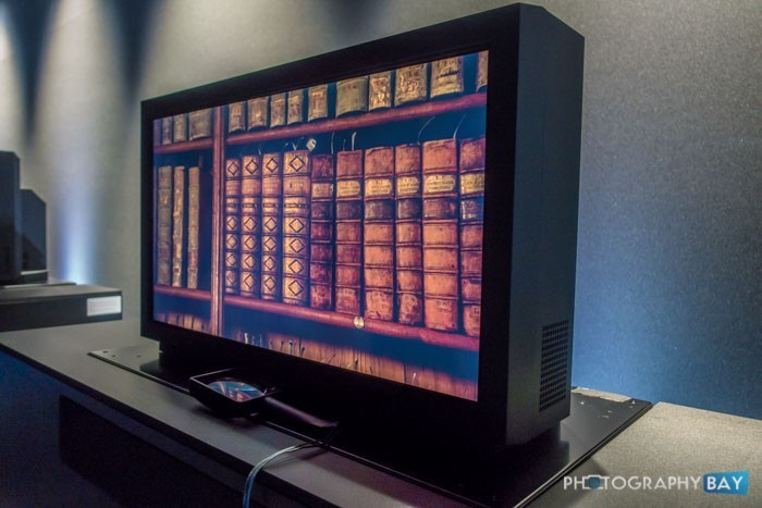 Canon-8K-Reference-Display1-700x467.