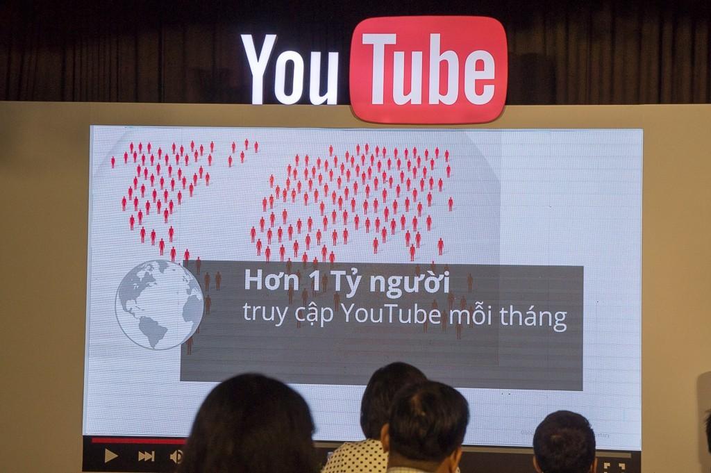 youtube-sinh-nhat-1-nam-tai-vietnam-11