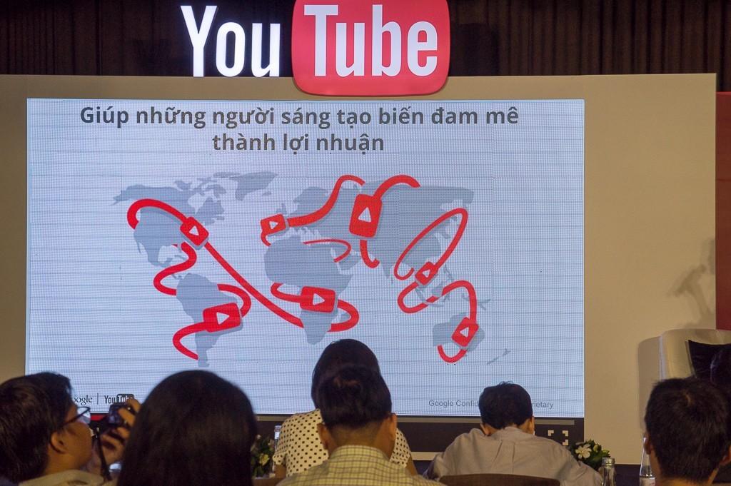 youtube-sinh-nhat-1-nam-tai-vietnam-14