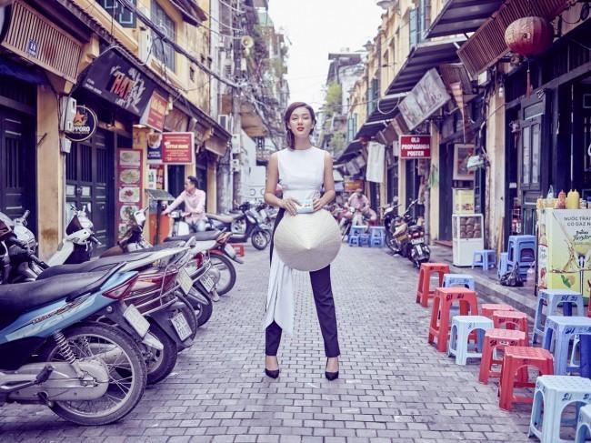3-Vietnam KV_Incredible Catwalk_resize