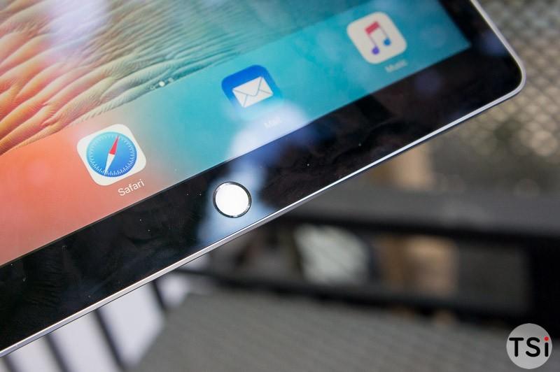 tren-tay-iPad-Pro-16