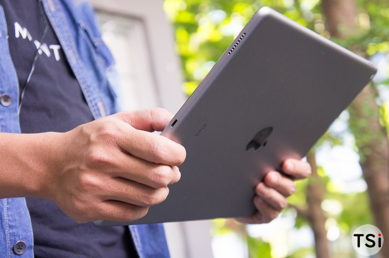 tren-tay-iPad-Pro-24