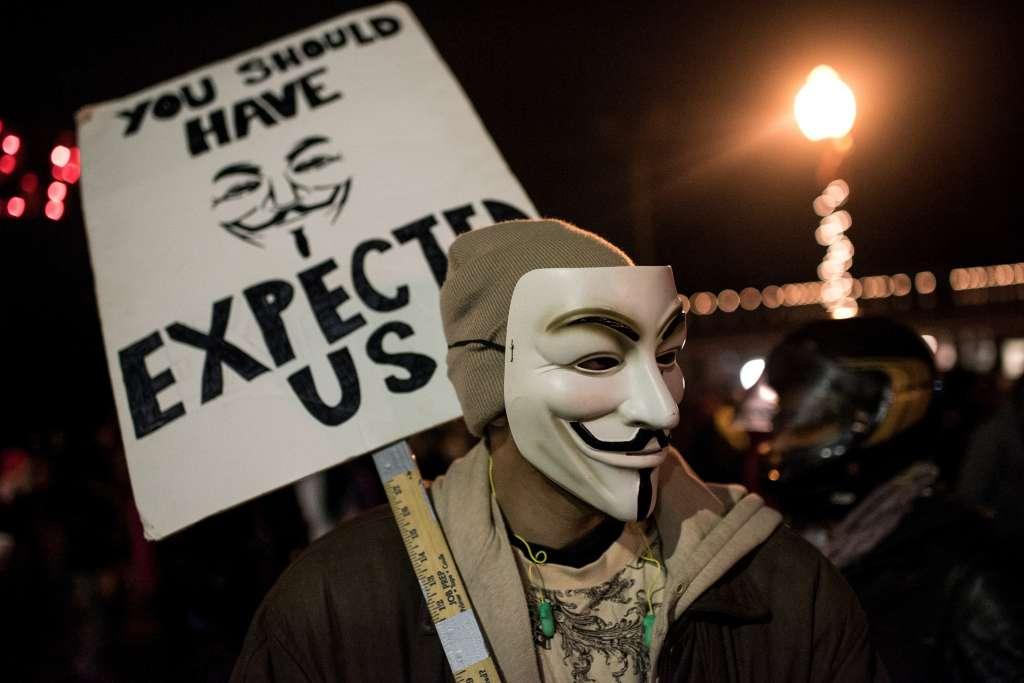 Anonymous: 11/12 sẽ là ngày trêu chọc phiến quân IS