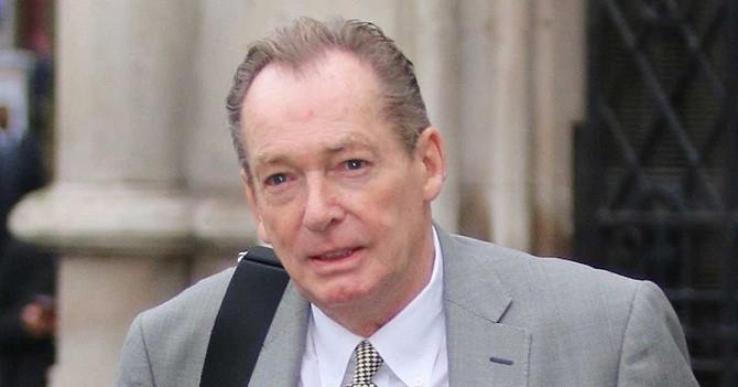 Ông Deric White, người buộc Apple phải bồi thường 1.200 bảng Anh vì đã xóa hết dữ liệu trên chiếc iPhone của mình