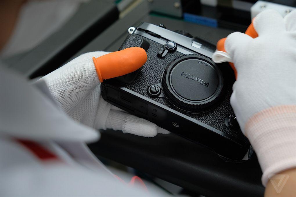 Bên trong nhà máy Fujifilm Nhật Bản: nơi ra lò máy ảnh và ống kính 'Made in Japan'