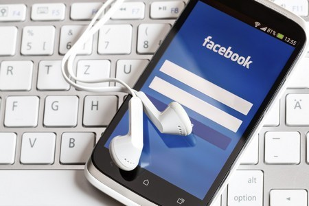 """Facebook đang bí mật thử thách """"lòng trung thành"""" của người dùng đề phòng trường hợp xảy ra """"xung đột"""" với Google"""