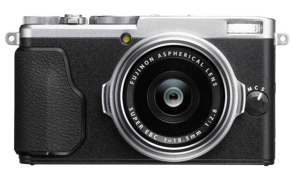 Fujifilm X70: bản thu nhỏ của X100 với cảm biến APS-C, ống kính cố định 28mm f/2.8