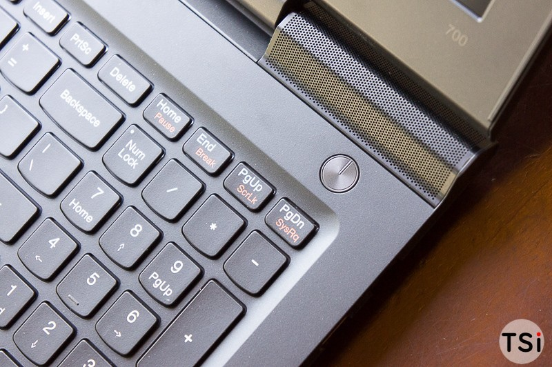 Cận cảnh Lenovo Ideapad 700: laptop chơi game mỏng nhẹ giá hợp lý