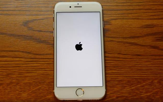 Lỗi mới phát hiện trên iPhone, chỉnh về 1/1/1970 sẽ khiến máy thành cục gạch