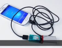 [Video] Sạc chữa cháy cho smartphone từ pin 9V