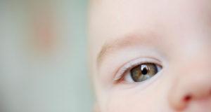 3 loại ánh sáng nguy hiểm với mắt trẻ nhỏ