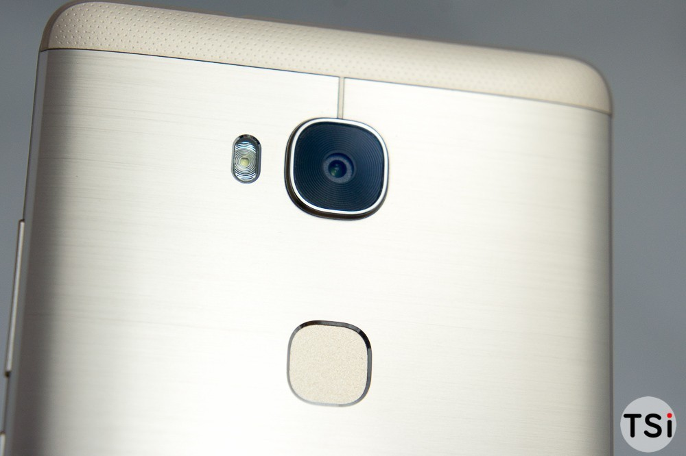 Huawei GR5 nhấn mạnh vào công nghệ cảm biến vân tay tối ưu hơn