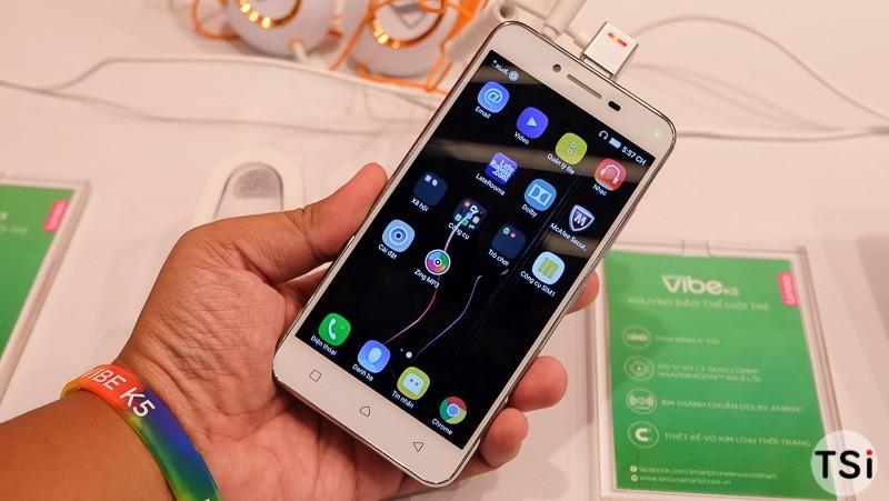 Ảnh thực tế Lenovo Vibe K5: cầm vừa tay, cổng kết nối tập trung phía trên