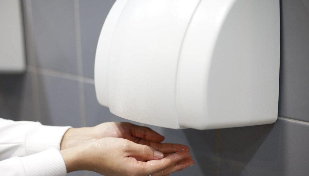 Máy sấy tay tự động có thể lây truyền vi khuẩn qua không khí