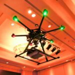 Lenovo giới thiệu X1 Family bằng Drone, tưới nước lên máy tính
