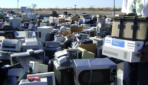 Canon khởi động chương trình tái chế rác thải điện tử