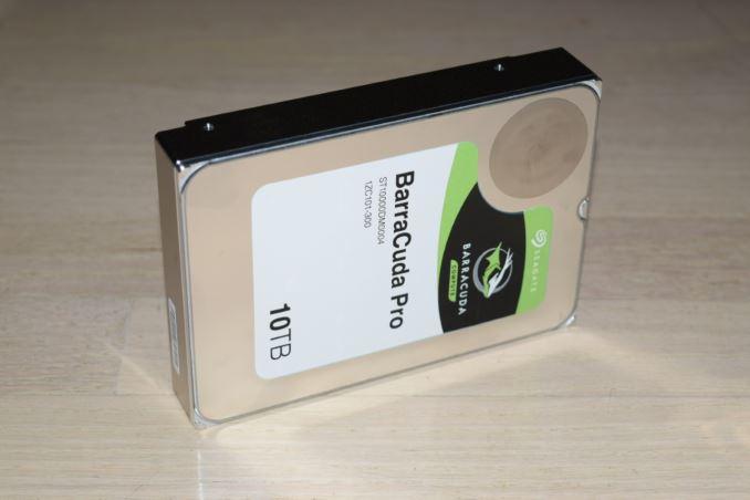 Seagate tung ổ cứng 10TB đầu tiên cho máy tính, NAS và hệ thống giám sát
