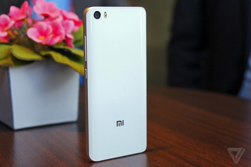Xiaomi MI 5 bán ra từ hôm nay giá 7,89 triệu đồng