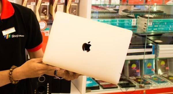 FPT Shop được phép nhập và Macbook chính hãng Apple