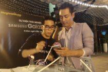Thế Giới Di Động giới thiệu Galaxy Note7 trong khu hồ bơi