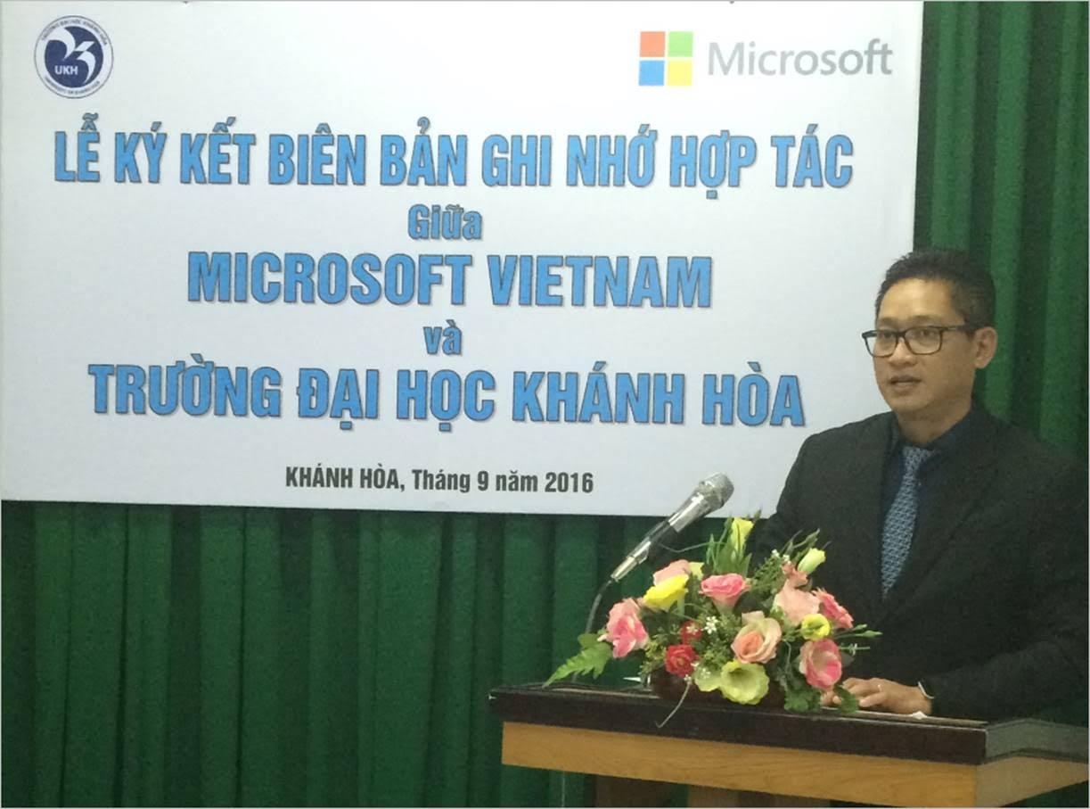 Microsoft Việt Nam hợp tác về Giáo dục với trường đại học Khánh Hòa