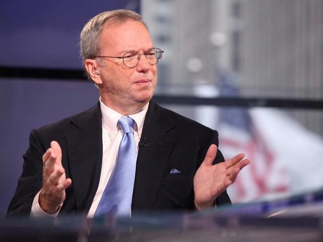 Eric Schmidt – Cựu CEO Google: Trả lời nhanh mọi email