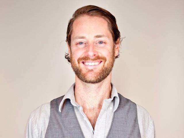 Ryan Holmes - CEO Hootsuite: Xóa sạch email sau khi xong việc