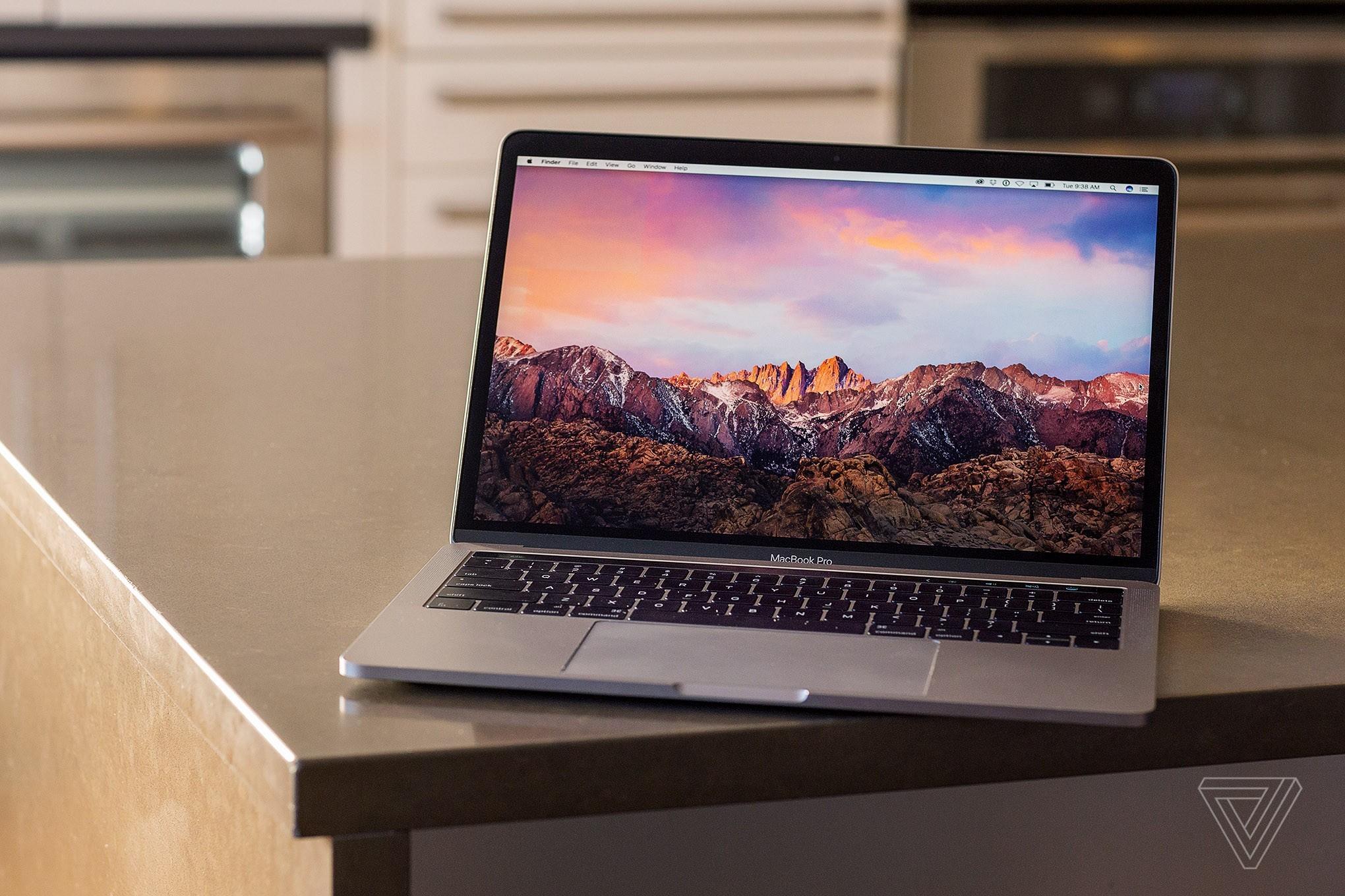 Apple hợp tác với Consumer Reports kiểm tra lỗi pin trên MacBook Pro mới