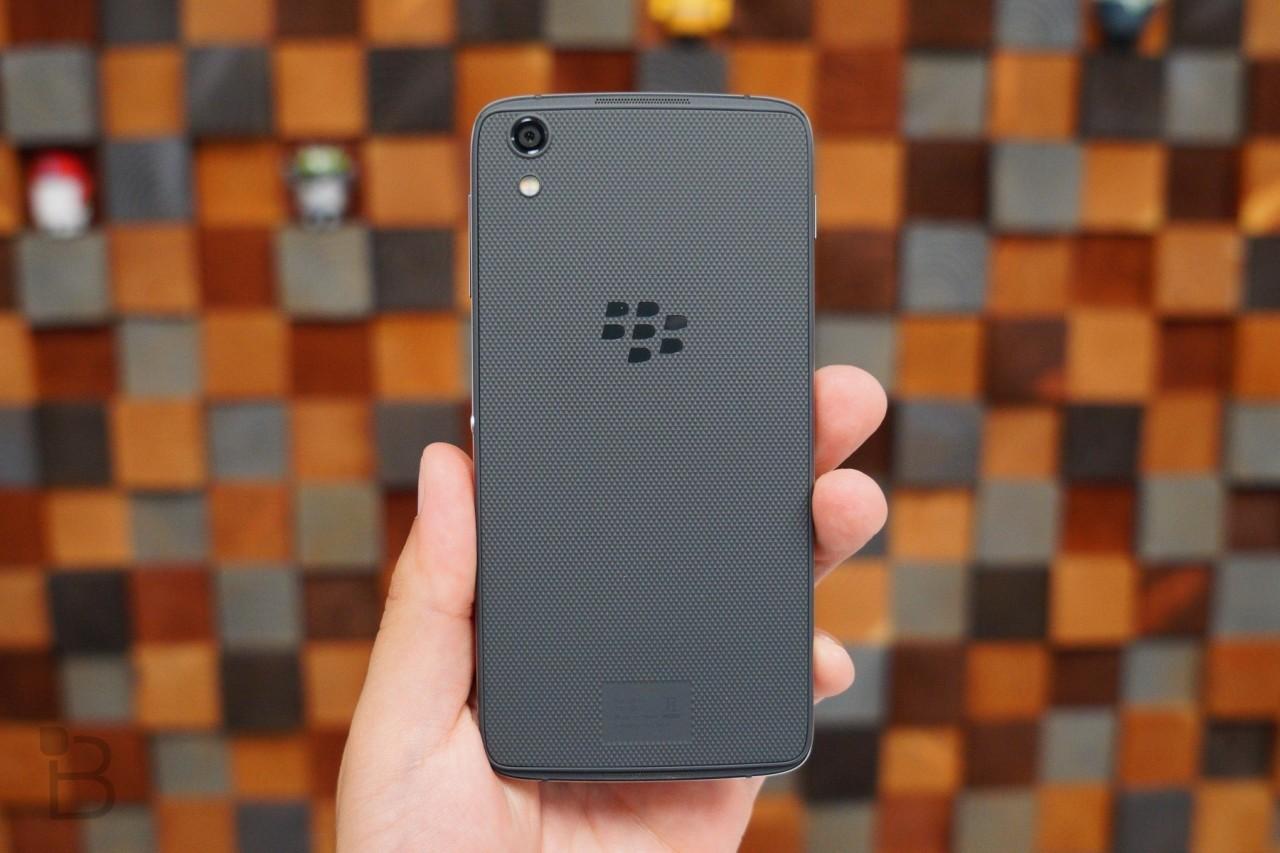 BlackBerry nhượng quyền thương hiệu mảng điện thoại cho TCL