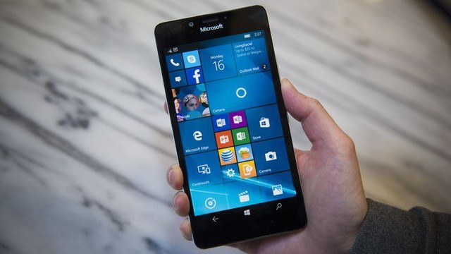 Lumia 950 được FPT Shop giảm còn dưới 4 triệu