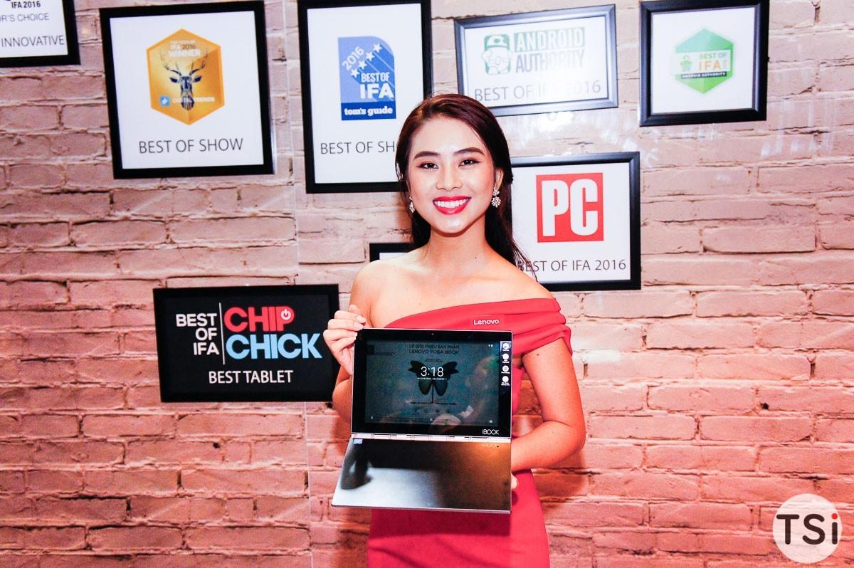 Lenovo ra mắt máy tính Yoga Book và smartphone PHAB2 Pro