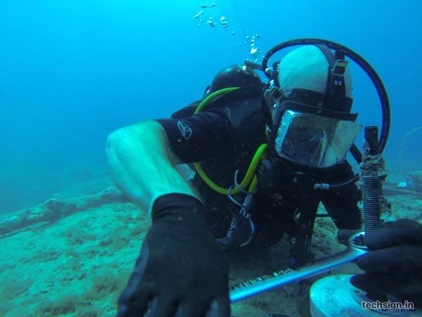 Cáp quang biển APG đã thông, AAG sẽ nối xong trước Tết Đinh Dậu