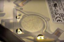 Những đồng xu lạ bên trong Macbook đã có lời giải thích hợp lý