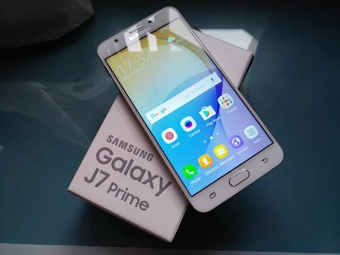 Samsung mở ưu đãi khi mua Galaxy J5 Prime và Galaxy J7 Prime Hồng vàng