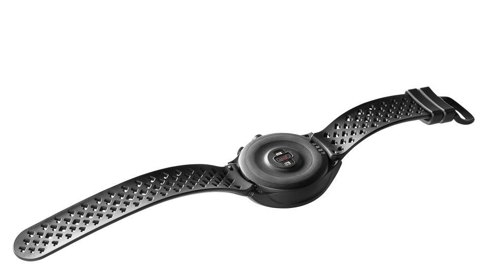New Balance lên kệ smartwatch RunIQ: chạy Intel Atom, giá 299 USD