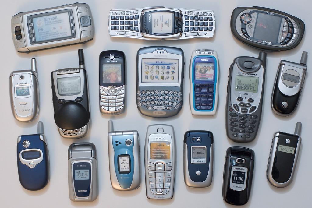 HMD khai quật Nokia 3310 với kỳ vọng chia lại thị phần điện thoại cơ bản