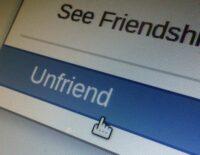 Tiện ích này sẽ giúp xóa toàn bộ bạn bè trên Facebook, tuy nhiên hãy cẩn trọng khi sử dụng