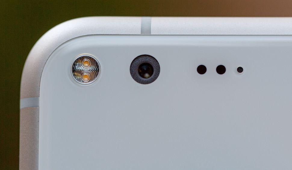 Google thừa nhận một số smartphone Pixel bị lỗi microphone