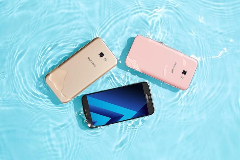 Galaxy A3 2017 mở bán giá 6,5 triệu, tặng loa bluetooth 2,1 triệu đồng