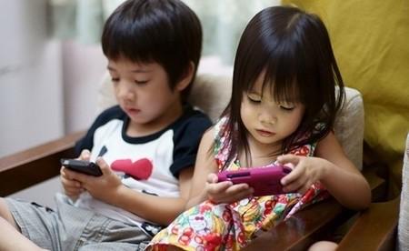 Những tác hại khi trẻ em thường xuyên sử dụng smartphone