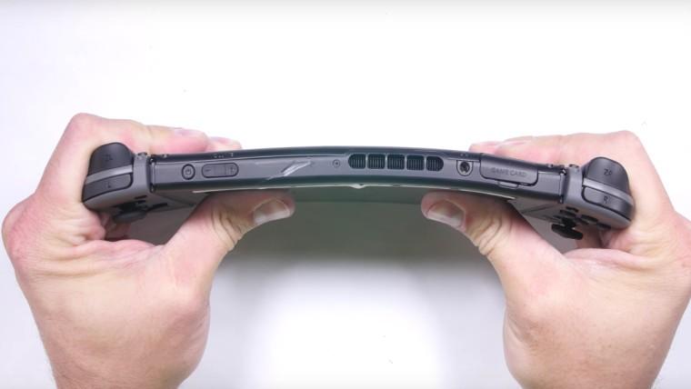 JerryRigEverything đăng video clip thử độ bền của Nintendo Switch