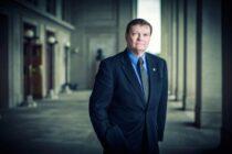 Terry Halvorsen, cựu giám đốc công nghệ Bộ Quốc Phòng Mỹ đã được chỉ định làm Phó Chủ Tịch Điều Hành mảng di động của Samsung.