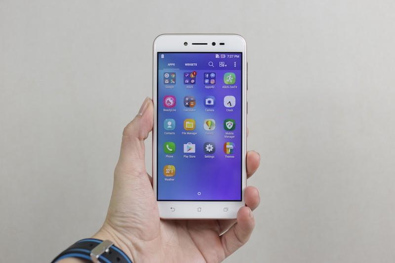 Di Động Việt mở đặt hàng ZenFone Live tặng bộ quà phục vụ live stream